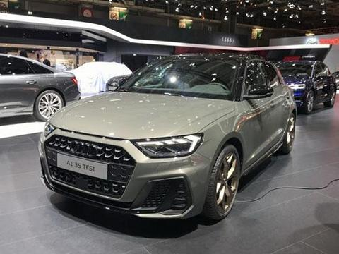 奥迪坐不住了,巴黎车展发布3款全新SUV,网友:入华将无力抵抗