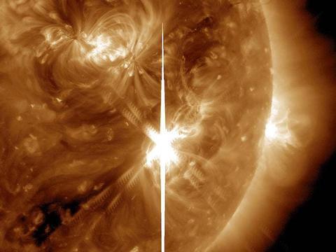 """揭秘!日冕物质抛射诞生原理:看看我们的太阳是如何发""""脾气""""的"""