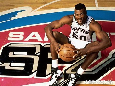 NBA五大肌肉型男:詹姆斯落选,马龙第3,榜首拥有完美身材