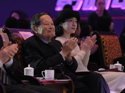 杨振宁最后一战:反对中国建设超大对撞机,理由充分,引网友讨论