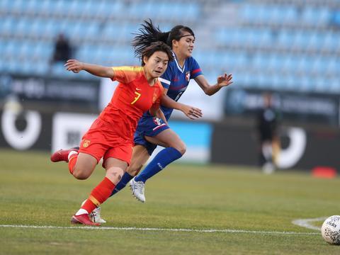 中国女足抵澳出战奥运会预选赛 王霜等球员未随队出征