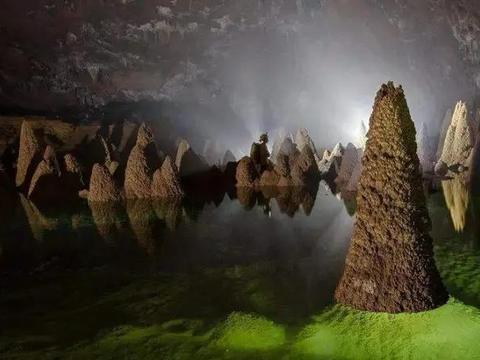 世界最大的洞穴,可容纳72亿人,湖泊、河流及森林覆盖!