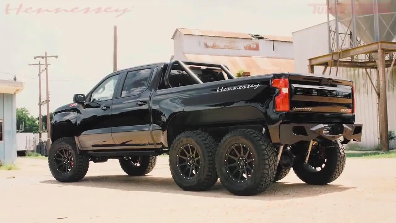 雪佛兰Silverado 改装车:Goliath 6×6。售价37.5万美元,限量24台