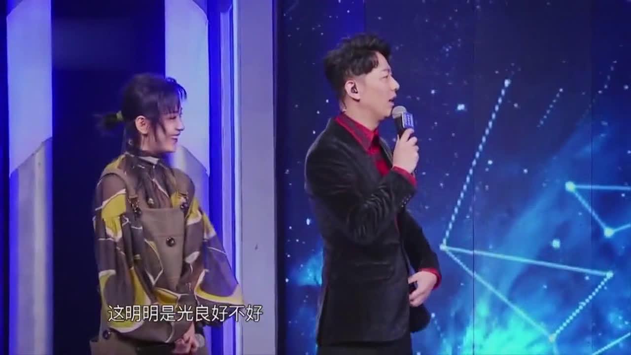 """冯提莫现场模仿王心凌,心凌:""""她唱的好像更甜"""",耳朵都酥了"""