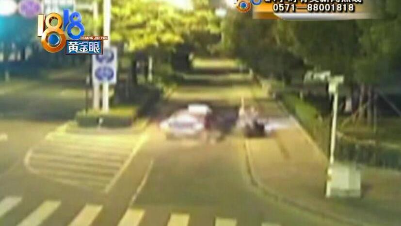 出租车逆行开进非机动车道 撞伤电瓶车上一家四口