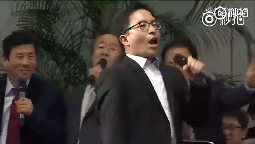 韩国梨花女子大学教授跳EXO的《growl》,太硬核了