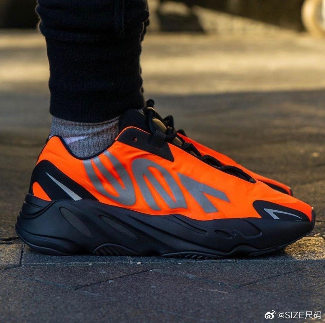 情报账号 v_stella_magazine 释出 adidas Originals YEEZY BOOST 700