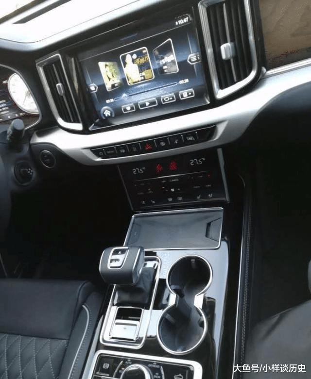 实拍红旗SUV新车HS7,搭载自主CA6GV30TD,给辆奔驰GLE都不换