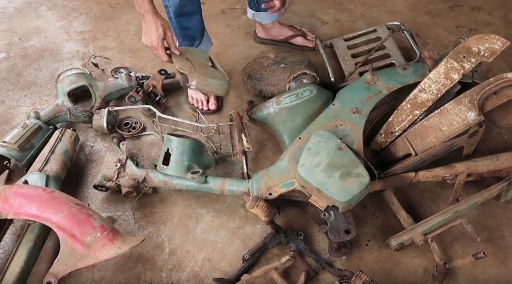 视频:越南老哥手工修复一辆1980年的本田Super Cub C50摩托车
