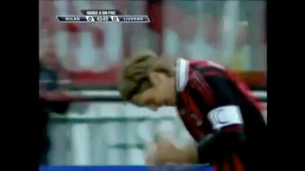 2010年的今天 AC米兰对阵利沃诺 安布罗西尼进球