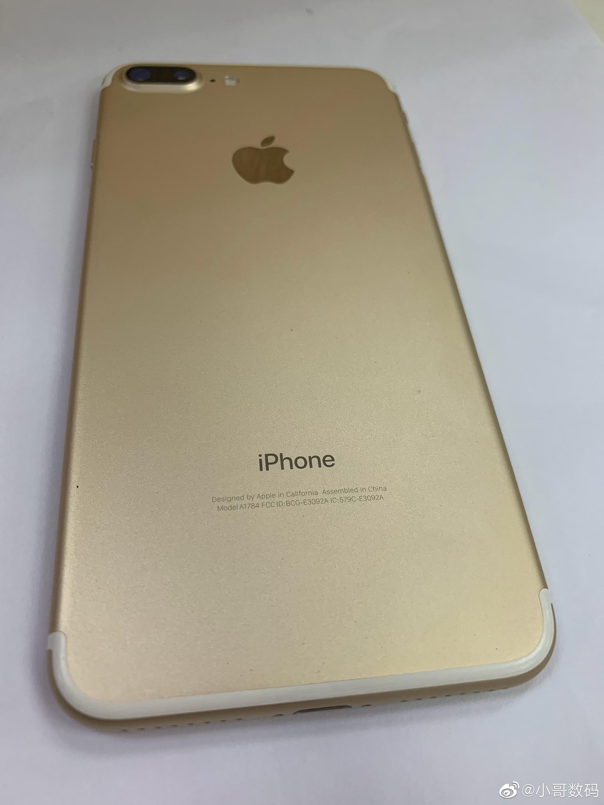 iPhone 7plus,32g,美版,无锁两网,支持移动4g联通4g,98新