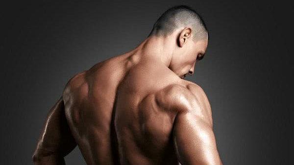 在练肩的过程中,增加这个训练动作,让你的肩膀练得更大!