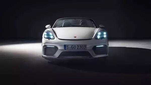 保时捷发布新款718车型 百公里加速4.4秒
