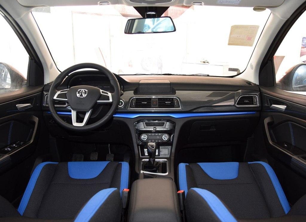 除了比亚迪宋MAX,这台MPV5.8万起还有定速巡航等配置