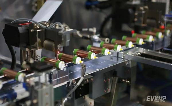 """特斯拉上海工厂年底投产Model 3 国内圆柱电池能否凭此""""逆袭"""""""
