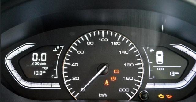 坐实国产省油王?新车只卖45900元,油耗5.2L月入2000也养得起