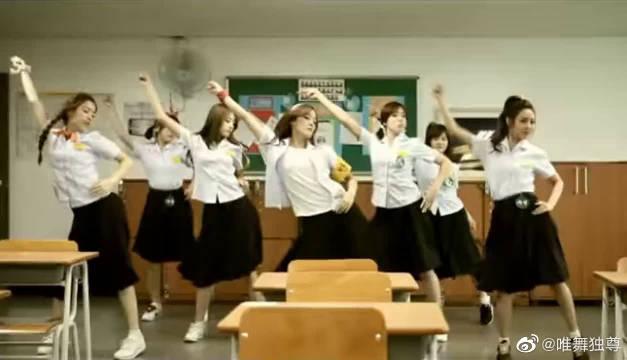 7人T-ara穿校服跳《Roly-Poly》,小姐姐们很好看啊~