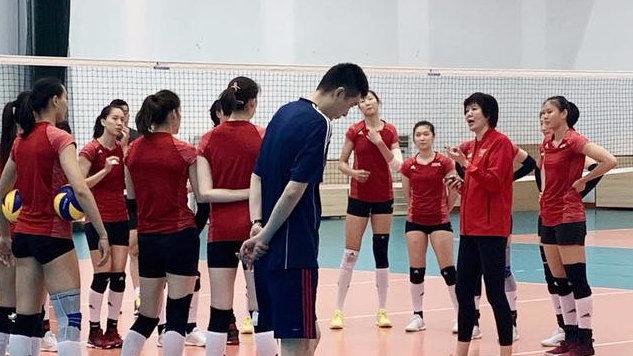 中国女排集训接应尝试新变化 魏秋月徐云丽驰援