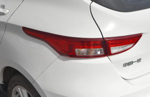 最省油一汽小型SUV降了!上市3天卖出近1万台 配6气囊 仅5.19万