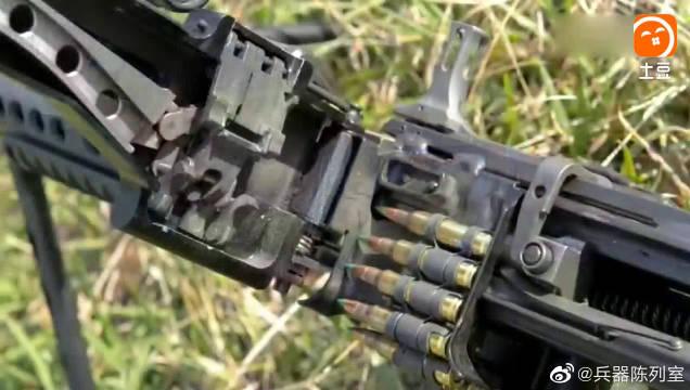 MK46轻机枪霸道的枪声,让敌人闻声而退
