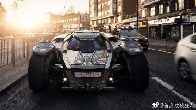 老外花费数百万,将兰博基尼改装成蝙蝠侠战车,开上街太惊艳