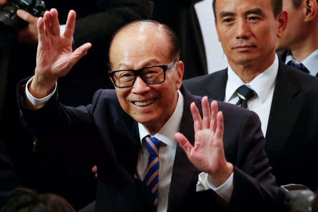 捐款没有李嘉诚多,在香港却被尊称六叔,邵逸夫凭什么?