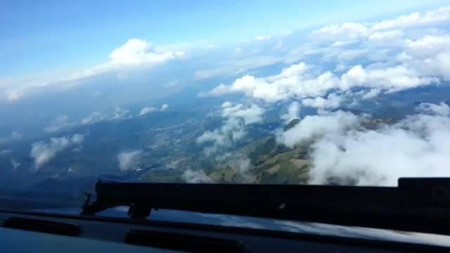 驾驶舱视角:最难飞机降落(哥伦比亚)