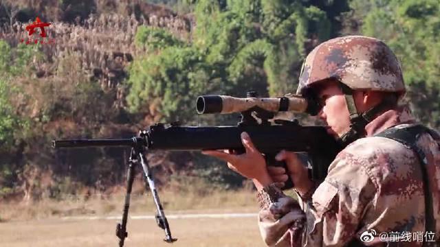 一枪毙敌!近距离感受狙击手的精准狙杀