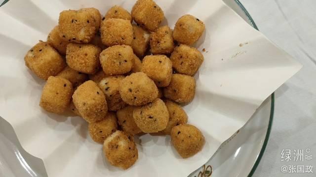 《陕西房产》主编张国政在广州陪同父母吃晚饭:脆皮一口豆腐