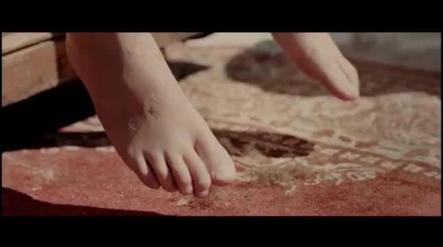 奥斯卡最佳短片:一个黑人对一个10岁白人小孩微笑引来误会
