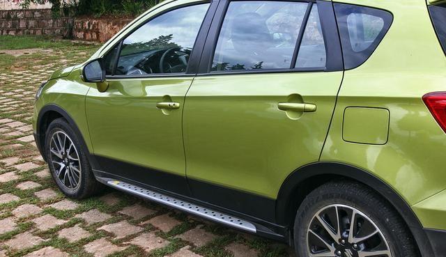长安铃木-锋驭,全车设计鲜靓,回头率相当的高,气场非常足