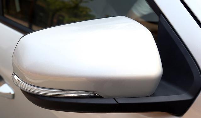 大通T60外观设计炫酷,不仅有设计感,还能满足驾驶需求!
