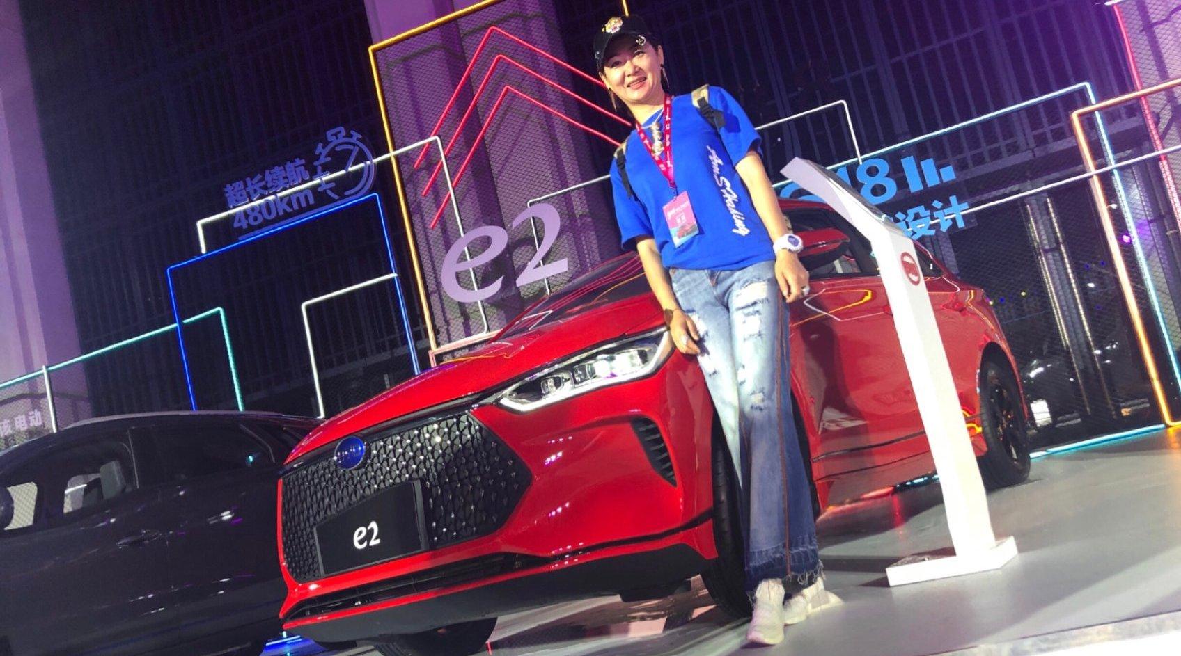 比亚迪旗下e系列首款新能源跨界车型e2在深圳上市 @比亚迪汽车