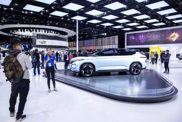 新宝骏携RS-5及概念车亮相上海车展  创自主品牌新高潮