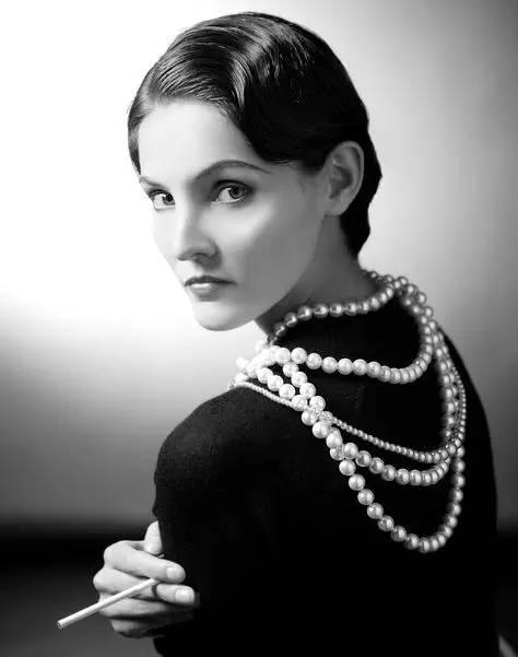 CH珠宝:据说这个世界有一种37°C的女人