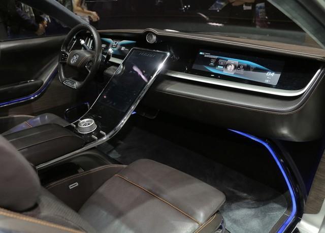 黑科技新能源豪车,外形极具科幻,续航高达1000公里