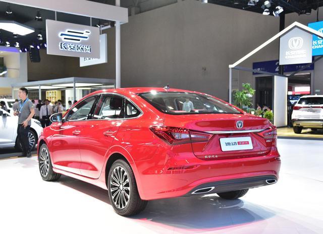 长安逸动终端售价6.29万起,轴距2.7米,最具性价比家轿之一