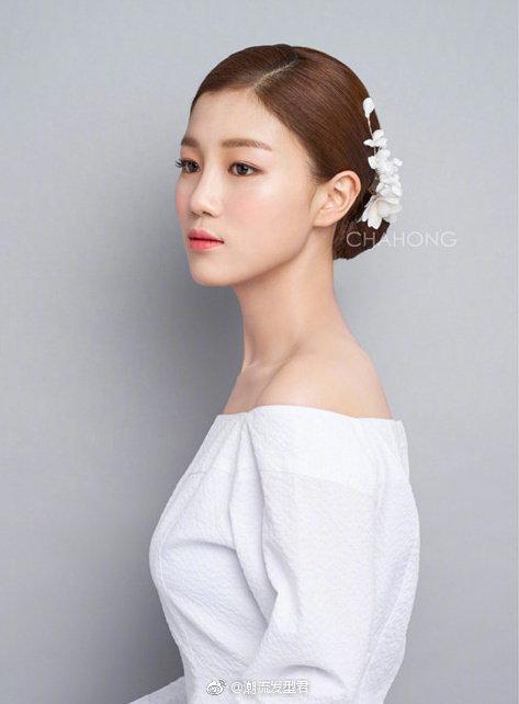 17款新娘发型婚纱搭配参考~ 即将结婚的新娘们马住啦。