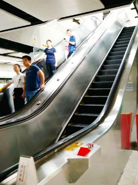 乘坐深圳地铁,发现会展中心站台的语音播报不一样