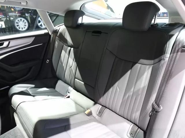 """奔驰CLS对碰奥迪A7,谁才是""""感性买家""""们更青睐的中大型轿跑"""