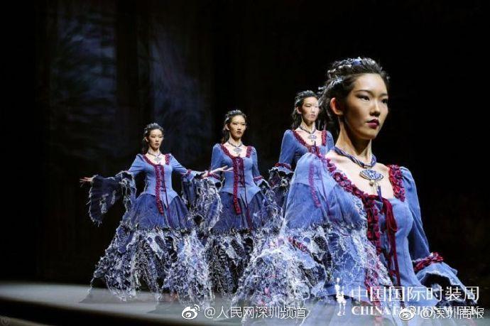 16岁深圳高中女生闪亮中国国际时装周