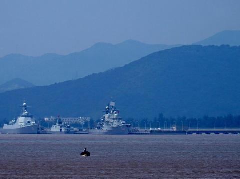 俄海军无奈拆解的现代级驱逐舰,为何我军非要费时费力搞升级呢?