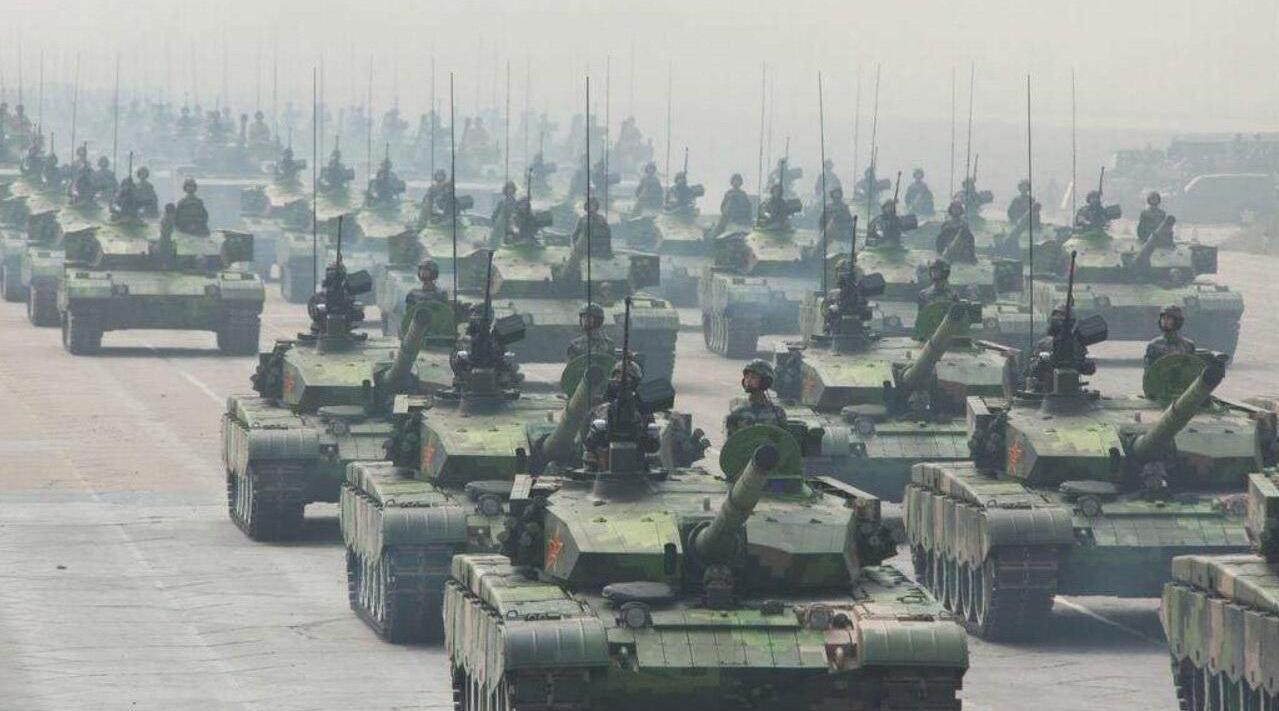 中国军事力量宣传视频,三军气势如虹,镜头让人热血沸腾!