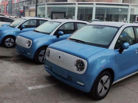 首批长城汽车欧拉r1到店,外形比mini还萌,售价与高配奥拓看齐图片
