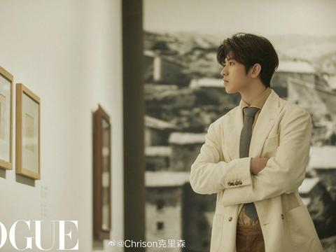 蔡徐坤 x Vogue Film ┊ 在主题短片《美术馆之夜》中