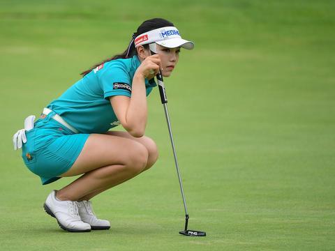 高尔夫女神在日本出生长大,最终选择中国国籍,晒照长相清纯甜美