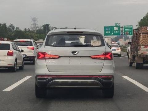 捷达VS7将于广州车展亮相,或将明年年初上市,配全景天窗