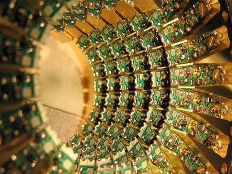 """我国""""墨子号""""技术精湛,量子计算机更具优势,短期内却无法制成"""