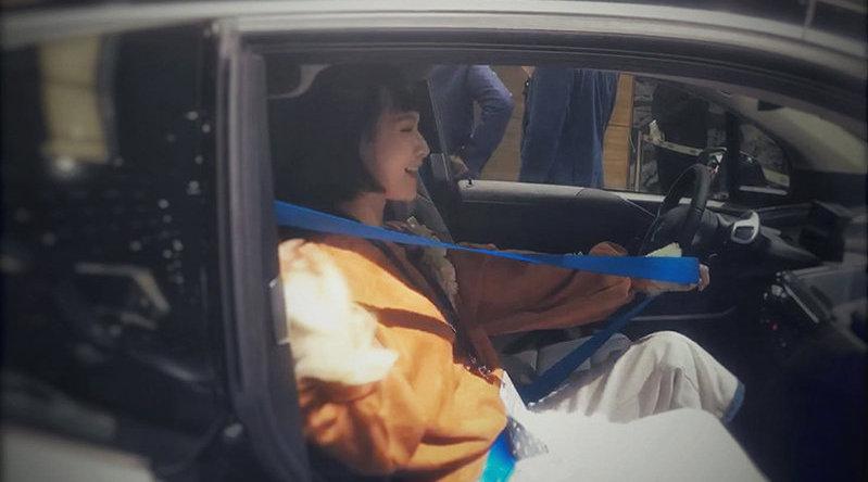 视频:车展常客宝马i3,无B柱设计到底方不方便?  @极驾客TopDriver