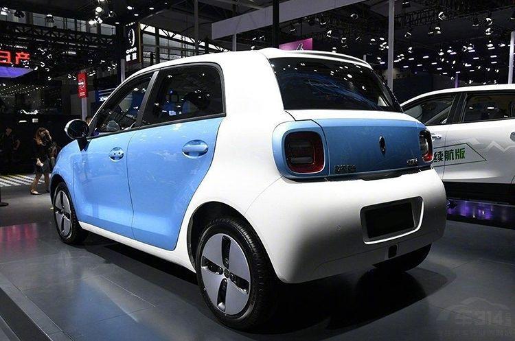 欧拉R1女神版对比Smart fortwo 价格低了一半,还配备自动驾驶